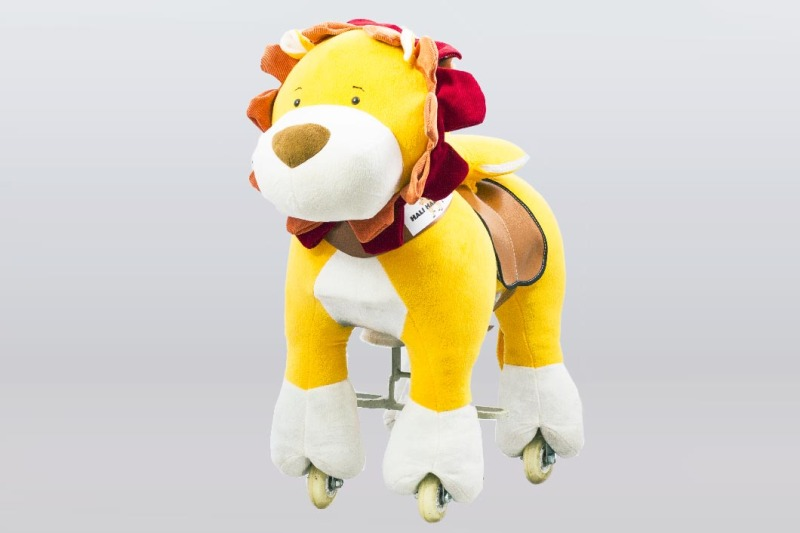 hali-hali-rides-lion-1